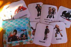 """Fan de DRAGON » croquelavieenrose.fr  """"dessiner Krokmou par transparence sur la fenêtre, recopier le nom des personnages en cursives (c'est son dada en ce moment).  Avec les cartes, on joue aussi à """"qui suis-je"""" (exellent jeu pour s'entrainer à décrire une personne : Maïa est très forte pour inventer de chouette devinettes)  Azia apprend à épeler les lettres des noms des personnages (elle connait les majsucules et commence donc à identifier les lettres scripts) """""""