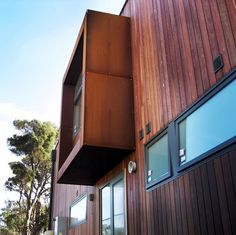 Highly popular Corten Cladding in Bayside & wider Melbourne. Aesthetically appealing & low on maintenance. Call PLR Design on 03 9570 1916 to enquire.