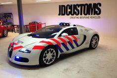 Politie Delft krijgt een Bugatti Veyron in politiekleuren - Lamborghini, Bugatti Cars, Ferrari, Porsche, Audi, Auto Volkswagen, Volkswagen Group, Police Truck, Police Cars