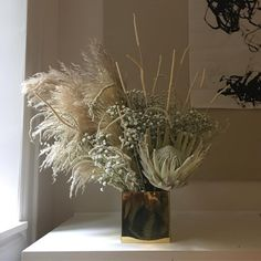 Happy Flowers, Fall Flowers, Dried Flowers, Beauty Salon Design, Beauty Salon Interior, Messy Bun With Braid, Braided Buns, Messy Buns, Waterfall Twist