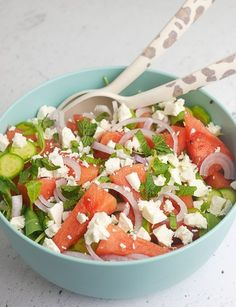 Watermeloen feta salade - Foodaholic Onion Soup Recipes, Salad Recipes, Healthy Recipes, Bbg, Buffet, Pasta Soup, Feel Good Food, Happy Foods, Caprese Salad