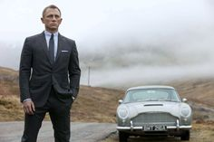 Daniel Craig: New 'Skyfall' Pics!: Photo Scope out the new promo pics from the upcoming James Bond movie, Skyfall! The Sam Mendes-directed flick, which opens November stars Daniel Craig, Javier Bardem,… James Bond Skyfall, James Bond Auto, New James Bond, James Bond Movies, Daniel Craig James Bond, Daniel Craig Skyfall, Craig Bond, Craig 007, Movies