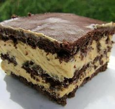 Peanut Butter Chocolate Eclair Cake - this looks delish!!