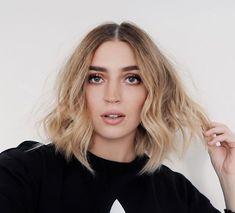 Allana Davison hair