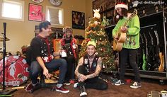 Tony is being silly, Jaime is being normal giggly Jaime, Mike has a dog, and Vic is... whatever he's doing xD
