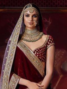 Jewelleries Indian Bridal Lehenga, Indian Bridal Fashion, Indian Bridal Wear, Indian Wedding Outfits, Bridal Outfits, Bridal Dresses, Bridal Photoshoot, Dress Indian Style, Bridal Bangles