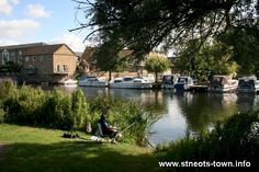 the River Great Ouse at St Neots My munchkins love picnics here!! #perfectpicnic #joules