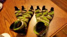 3 toe dinosaur crochet slippers