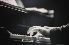 Learn how to play piano scales in major and minor as well as in other interesting modes! Here is an extensive piano resource with free lessons and printable piano scale charts for beginners. The Piano, Best Piano, Best Hobbies For Men, Hobbies That Make Money, Piano Teaching, Teaching Kids, Learning Piano, Learning Games, Piano Scales Chart