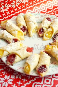 Reblochon clafoutis from Savoie with mirabelle plums - Healthy Food Mom Kolachy Cookie Recipe, Kolachy Cookies, Shortbread Cookies, Cheese Recipes, Gourmet Recipes, Cookie Recipes, Dessert Recipes, Christmas Desserts, Christmas Baking
