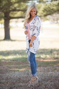 Between Our Hearts Floral Kimono - The Pink Lily
