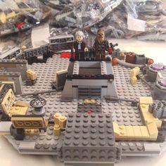 And that's Bag 3 complete! Really enjoying this build.  #LEGO #MilleniumFalcon #StarWars #HanSolo #EpisodeVII #Chewbacca #Chewie #legostagram #legominifigures #legophotography #lego_hub #vitruvianbrix #brick_vision #brickcentral #brickshift #bricknetwork #brick_universe #toyartistry_lego #toyslagram #toyphotography #toyplanet #toygroup_alliance #toydiscovery #brickpichub #BricksInFocus #minifig #minifigure #instalego #toyunion #toycommunity