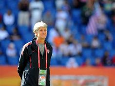 Pia Sundhage names the 2012 London US Olympic Women's Soccer Team