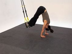 Flat Stomach Workout: TRX Atomic Push-Ups + TRX Ab Workout for Women. Ask your gym if they have a TRX, you'll get a great workout Trx Ab Workout, Trx Abs, Full Body Hiit Workout, Workout For Flat Stomach, Abs Workout Routines, Core Workouts, Trx Training, Strength Training Workouts, Suspension Workout