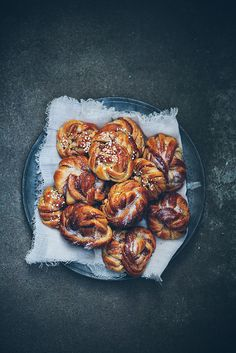 Cinnamon buns by Call me cupcake, via Flickr