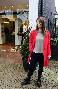 Max Mara Mantel en pullover in de Mix&Match met een pantalon en boots van Marc Cain #HBMODE, Ommen: Fashion in Overijssel