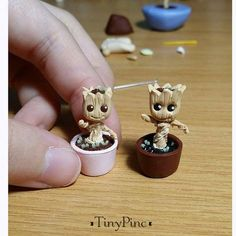 Miniature Baby Groot Figurine (Comes with a Free small Acrylic Display Box) Inspired Miniature babygroots handcrafted by TinyPinc. Size: approximately in height. Every order will come with a clear acrylic box for Polymer Clay Miniatures, Polymer Clay Crafts, Resin Crafts, Acrylic Display Box, Acrylic Box, Clear Acrylic, Clay Figures, Pasta Flexible, Clay Charms