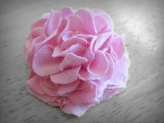 EASY knit fabric flowers, she hot glues (I can also sew, for no-glue globs) links at bottom of tutorial to to other cute fabric flowers (of doom) Live. Love. Craft.: TUTORIAL - Mum Hair Clip