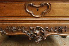 Special walnut Louis XV cabinet - ANTIQUES & DECORATIVE