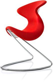 oyo red, nová, odvážna, jedinečná. Kombinácia sedla, škrupinovej stoličky a hojdacieho kresla.