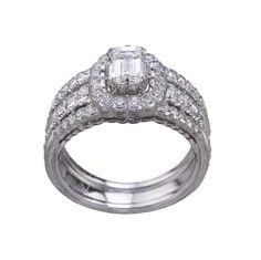 Romanza, les toutes premières bagues de fiançailles signées Buccellati http://www.vogue.fr/mariage/bijoux/diaporama/romanza-les-premieres-bagues-de-fiancailles-signees-buccellati-personnalisable-diamants-solitaires/18449#!3