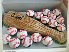 Baseball bat cake and baseball cupcakes. Love it bat cake and baseball cupcakes. Baseball Birthday Party, Sports Birthday, Sports Party, 8th Birthday, Softball Party, Kids Baseball Party, Baseball Party Decorations, Birthday Gifts, Birthday Parties