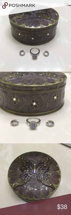 Gorgeous Butterfly jewelry box ring & earrings Gorgeous Butterfly jewelry box fashion jewelry ring sz 8 & earrings all in very good condition. Sold as set only Jewelry