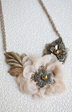Eternal Bond Flower Necklace