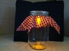 BBQ Decorations--Jars with Battery Tea Lights Attached to Lid *--add gems to reflect off of Picnic Themed Parties, Pool Parties, Tea Parties, Cookout Decorations, I Do Bbq, Candle Craft, Bbq Ideas, Couple Shower, Picnics