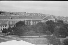 Vistas da Igreja de Santa Engrácia - Feira da Ladra e o Campo de Santa Clara.