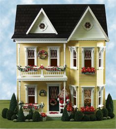 Miniature Holiday Princess Anne Dollhouse