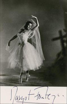 Margot Fonteyn by Vivienne 1956 © reserved; collection National Portrait Gallery, London Margot Fonteyn, the LA Ballet and 'The Sleeping Beauty' Photograph of Margot Fonteyn in the title role of Fokine's The Firebi. Margot Fonteyn, Ballerina Dancing, Ballet Dancers, Ballet Moves, Ballerina Art, Ballet Barre, Ballerina Project, Dancing Shoes, Ana Pavlova