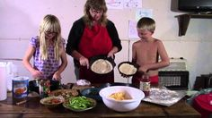 How To Make Your Own Pizza - Kids Pizza Bake Night | Homestead Kids