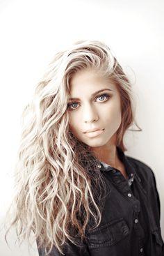 Saç modelleri ve saç bakımı hakkında her şey için. / About hairstyles and hair care. by Saclarinizicin.Com
