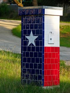Texas Flag Mailbox by jtuason, via Flickr