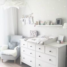 Kinderzimmer Ikea Hemnes Wickeltisch You are in the right place about baby room decor bear Here we offer you the most beautiful pictures about the … Baby Bedroom, Baby Boy Rooms, Baby Room Decor, Baby Boy Nurseries, Kids Bedroom, Room Kids, Nursery Decor, Baby Wallpaper, Room Wallpaper