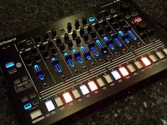 Roland TR-8 - http://www.4sound.se/keyboard/groovebox-sampler/roland-tr-8 -