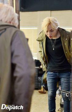 Read Yoonmin from the story BTS boyxboy smut by Suga_sehunnie with reads. Yoongi 19 Chim_Chim💙🍼 posted a photo Bts Suga, Jhope, Min Yoongi Bts, Bts Bangtan Boy, Suga Abs, Foto Jungkook, Namjoon, Taehyung, Rap Monster