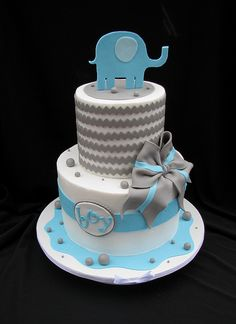 Chevron Baby Shower Cake with Elephant by cakesbyashley, (for Tamra) Torta Baby Shower, Idee Baby Shower, Elephant Baby Shower Cake, Elephant Cakes, Baby Shower Cakes For Boys, Shower Bebe, Baby Boy Shower, Baby Elephant, Baby Showers