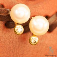Perlstecker mit cognac-farbenem Diamant in Goldfassung
