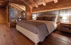 Un progetto di ristrutturazione di una casa di montagna che riesce a coniugare la funzionalità con dettagli di interior design contemporaneo.