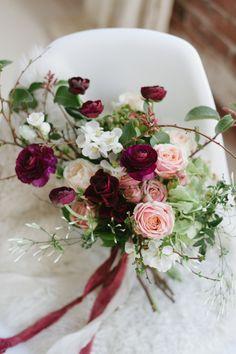 Modern Marsala Wedding Shoot In An Industrial Loft - Weddingomania Red Wedding, Wedding Shoot, Floral Wedding, Fall Wedding, Loft Wedding, Wedding Blog, Bouquet Bride, Flower Bouquet Wedding, Bridesmaid Bouquet