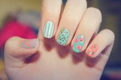 Resultado de imagen para decoracion de uñas naturales con esmalte paso a paso de moda