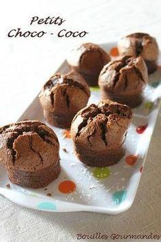Petits gâteaux au chocolat et à la noix de coco Bon Dessert, French Food, Nutella, Tea Time, Sweet Tooth, Muffins, Deserts, Brunch, Food And Drink