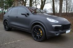 Porsche Cayenne in Avery Supreme Matte Black wrap #wrapped #reformauk #avery #cayenne