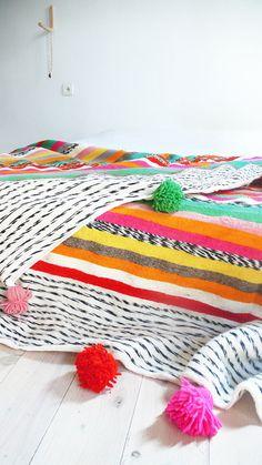 Large Moroccan POM POM Wool Blanket Stripes por lacasadecoto