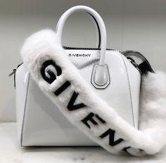 Fendi women's leather handbag shopping bag purse petite brown Luxury Purses, Luxury Bags, Luxury Handbags, Purses And Handbags, Cheap Handbags, Popular Handbags, Sacs Design, Louis Vuitton, Cute Purses