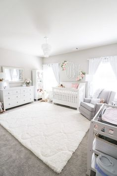 Girl Nursery Ideas - Bring your infant girl residence to a lovable and also functional nursery. Right here are some infant girl nursery layout ideas for every one of your decor, bedding, as well as furniture . Baby Nursery Decor, Baby Bedroom, Baby Boy Rooms, Nursery Neutral, Baby Decor, Kids Bedroom, White Nursery Furniture, Baby Girl Nurseries, Baby Room Ideas For Girls