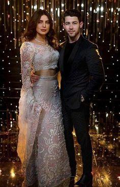 Yay or Nay? Priyanka Chopra and Nick Jonas at their own wedding reception in Mumbai last night Bollywood Couples, Bollywood Wedding, Bollywood Fashion, Priyanka Chopra Images, Priyanka Chopra Wedding, Indian Bridal Outfits, Indian Dresses, Estilo Cowgirl, Indian Lehenga