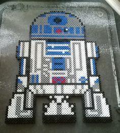 Star Wars R2-D2 perler beads by Perlerwonders